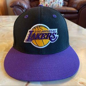 Los Angeles Lakers flat rim hat